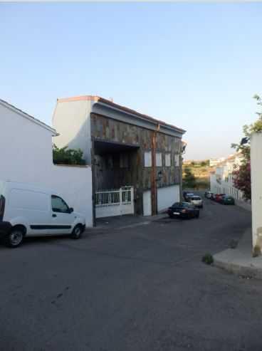 2 subastas de casas y pisos de hacienda en torres de la for Subastas de pisos en madrid