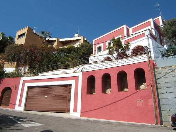 Subasta de vivienda en calle roc florit 9 sitges alertasubastas - Casas de subastas en barcelona ...