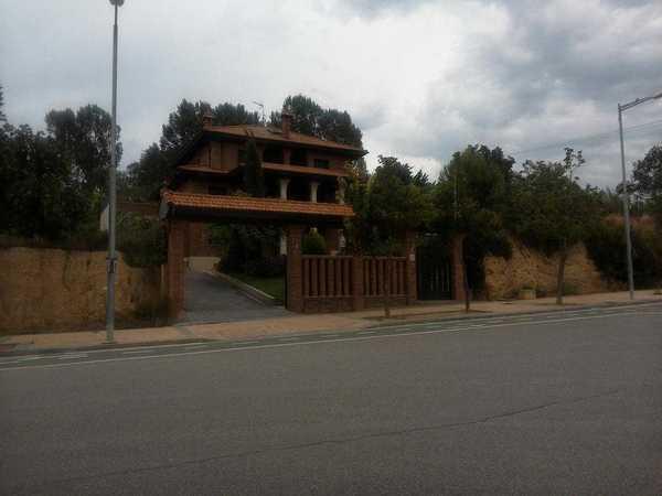 2 subastas de casas y pisos de hacienda en barbastro for Subastas de pisos