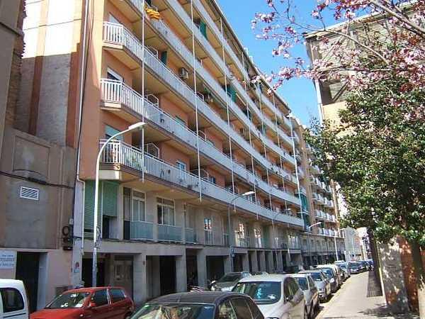 12 subastas de casas y pisos de agencia tributaria en barcelona barcelona alertasubastas - Casas de subastas en barcelona ...