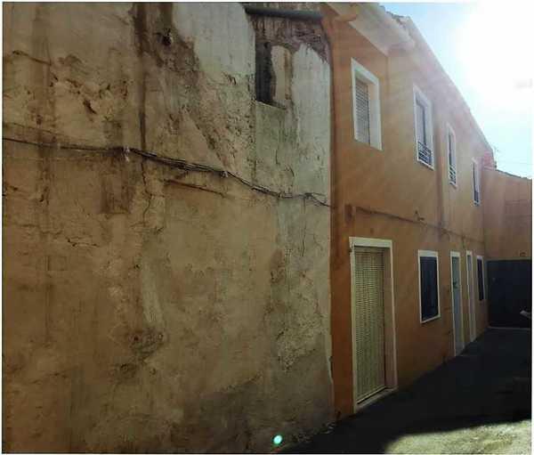 Subastas de casas y pisos en villena alicante hacienda for Subastas de pisos