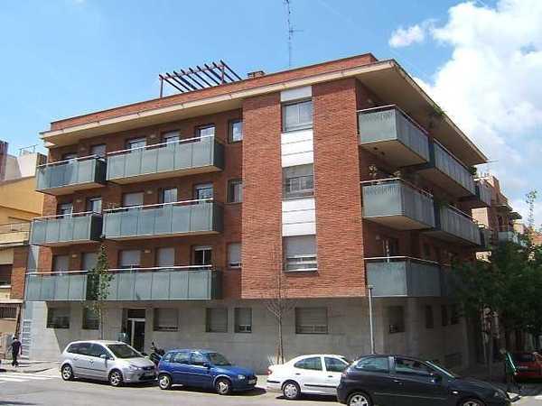 Subasta de vivienda en calle josep ricart 11 sant feliu for Subastas pisos barcelona