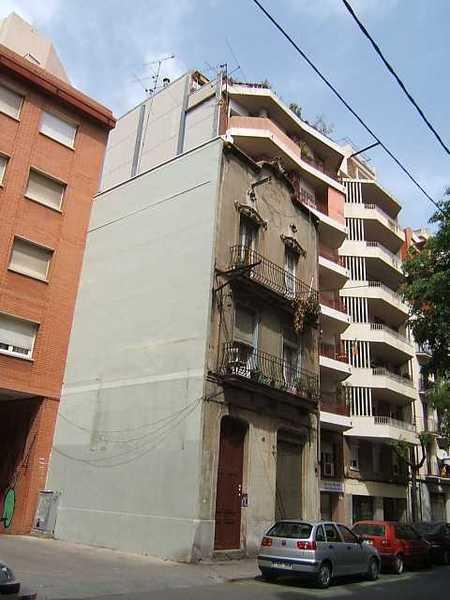 Subasta de vivienda en calle fresser 49 barcelona alertasubastas - Casas de subastas en barcelona ...