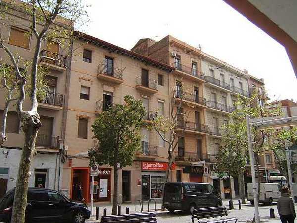 3 subastas de casas y pisos de agencia tributaria en cornell de llobregat barcelona - Casas de subastas en barcelona ...