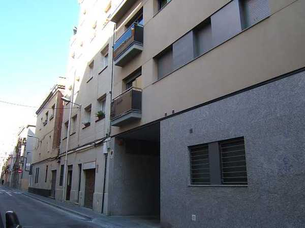 12 subastas de casas y pisos de agencia tributaria en barcelona barcelona alertasubastas - Subastas de pisos en barcelona ...