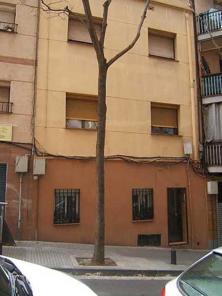 2 subastas de casas y pisos de la agencia tributaria en santa coloma de gramenet barcelona - Casas de subastas en barcelona ...