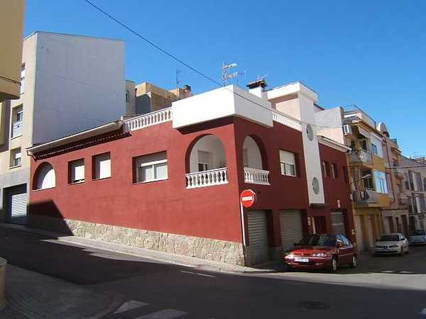 2 subastas de casas y pisos de agencia tributaria en sant pere de ribes barcelona alertasubastas - Casas de subastas en barcelona ...