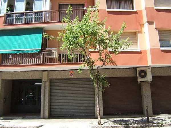 5 subastas de locales comerciales de hacienda en mollet del vall s barcelona alertasubastas - Casas de subastas en barcelona ...