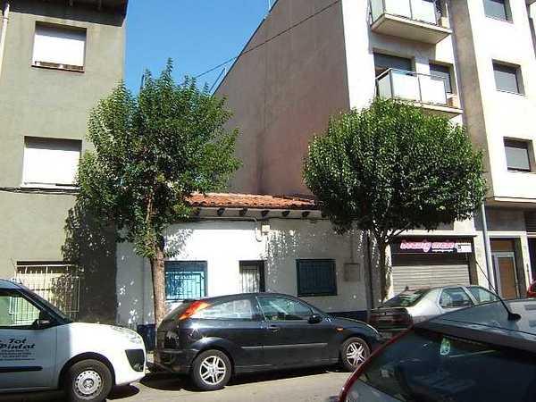 2 subastas de casas y pisos de la agencia tributaria en mollet del vall s barcelona - Casas de subastas en barcelona ...