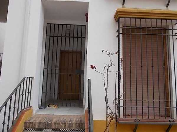 Subasta de vivienda en avenida ollerias 2 c rdoba for Subastas de pisos