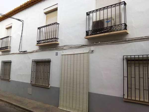 4 subastas de casas y pisos de agencia tributaria en manzanares ciudad real alertasubastas - Subastas de pisos en barcelona ...