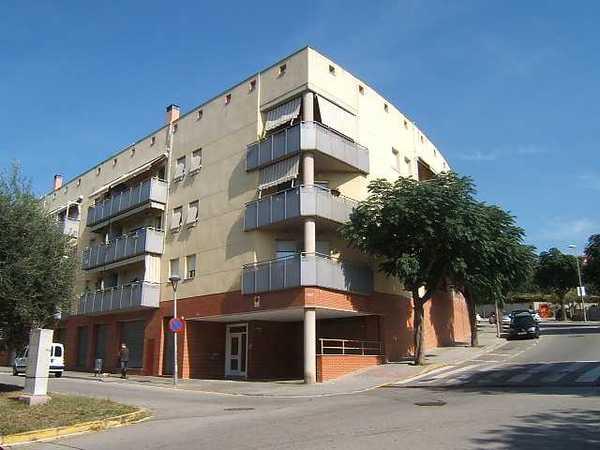 1 subastas de casas y pisos de la agencia tributaria en esparreguera barcelona alertasubastas - Casas de subastas en barcelona ...