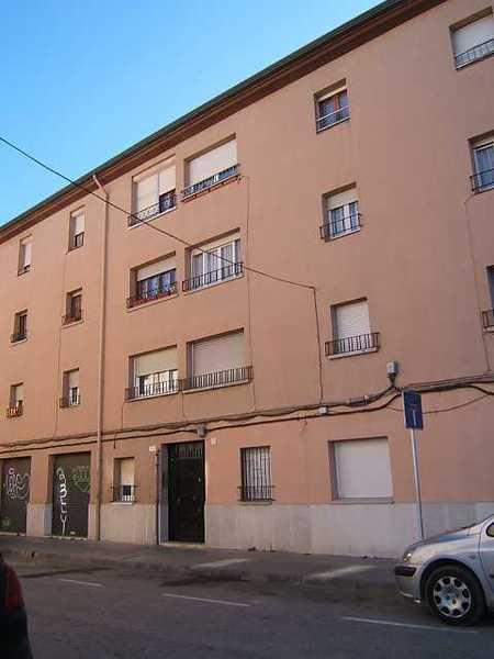 5 subastas de casas y pisos de la agencia tributaria en vic barcelona alertasubastas - Casas de subastas en barcelona ...