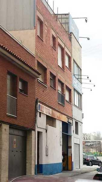 11 subastas de casas y pisos de hacienda en terrassa barcelona alertasubastas - Casas de subastas en barcelona ...